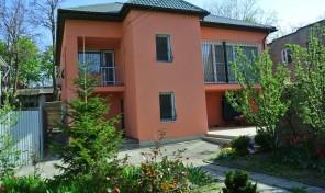Очень симпатичный и интересный дом в Черноморке :)