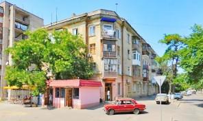Две комнаты со своей кухней в сталинке на Молдаванке!