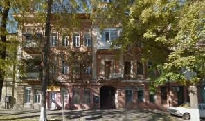5-комнатная на ближней Молдаванке в крепком старом доме!