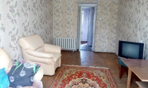 1-комнатная квартира на Разумовской — крепкий дом, хорошее состояние!
